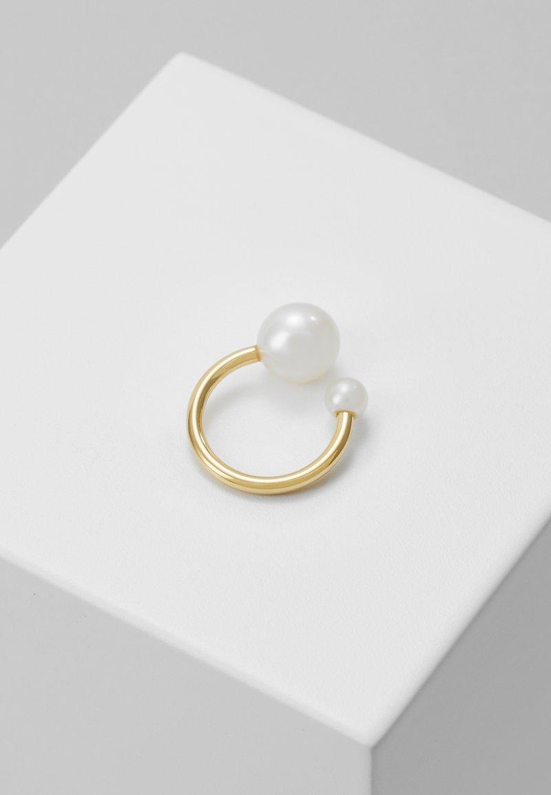 Vibe Harsløf - IRIS EARCLIP - Earrings - gold-coloured