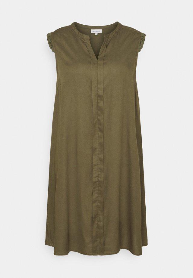 CARMUMI KNEE DRESS - Robe d'été - grape leaf