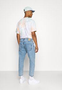 Only & Sons - ONSAVI BEAM LIFE CROP - Relaxed fit jeans - blue denim - 2