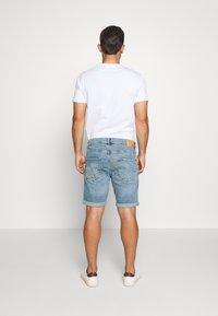Solid - RYDER BLUE 259  - Denim shorts - blue denim - 2