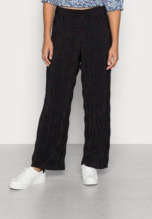 VMULRIKKA WIDE ANKLEPANT - Trousers - black