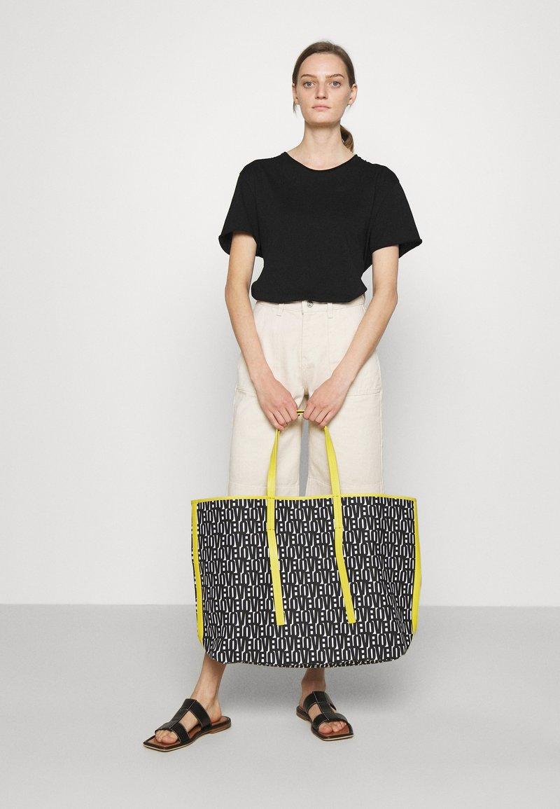 Marc Cain - SHOPPER BAG SET - Shopper - black/white