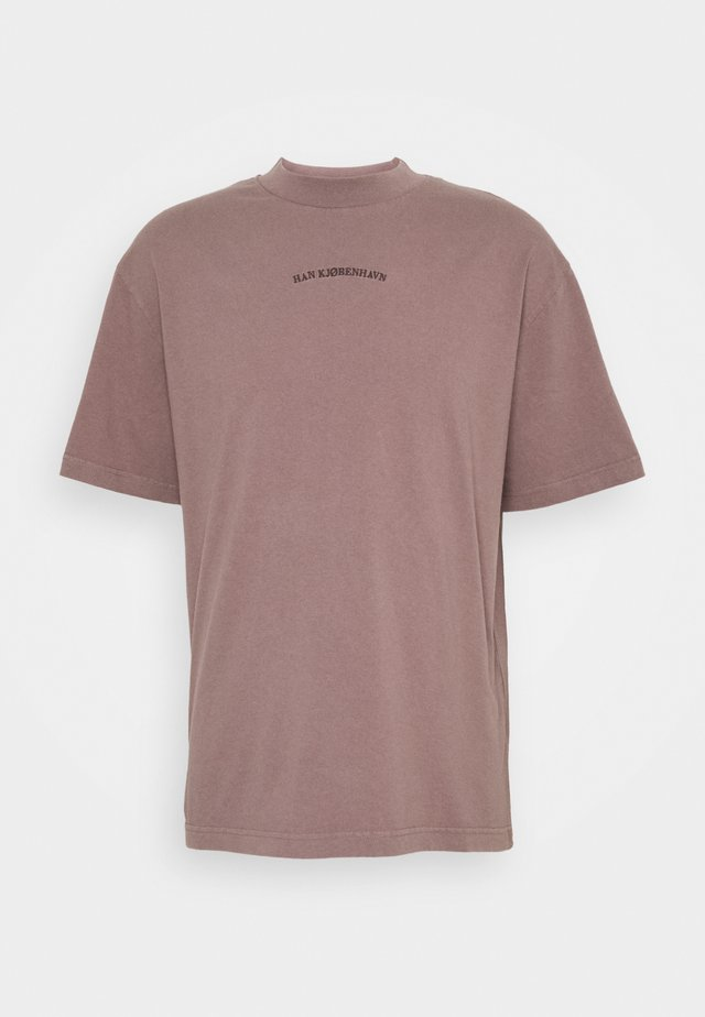 BOXY TEE - T-shirt con stampa - faded brown