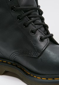 Dr. Martens - 1460 PASCAL - Bottines à lacets - black - 5