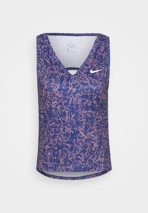 VICTORY TANK PRINT - Treningsskjorter - dark purple dust/white