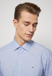 Tommy Hilfiger Tailored - DOBBY DESIGN CLASSIC - Kauluspaita - blue - 3