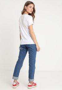 Superdry - BURNOUT VEE TEE - T-shirt print - optic - 2