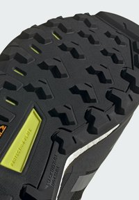 adidas Performance - TERREX SKYCHASER GORE-TEX 2.0 WANDERSCHUH - Hiking shoes - black - 9
