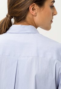 BRAX - STYLE VENERA - Button-down blouse - aquamarine - 4