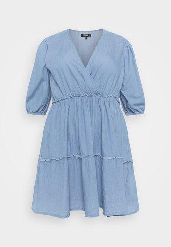 CHAMBRAY TIERED BALLOON MINI DRESS - Denim dress - blue