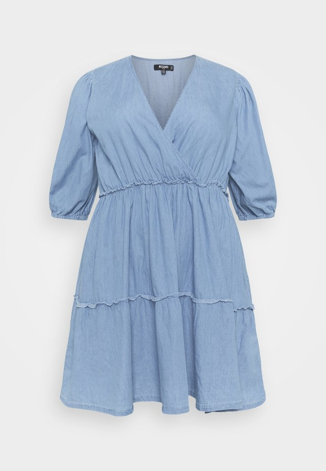 CHAMBRAY TIERED BALLOON MINI DRESS - Vestito di jeans - blue