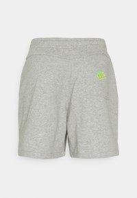 Nike Sportswear - Shorts - dk grey heather/base grey - 1