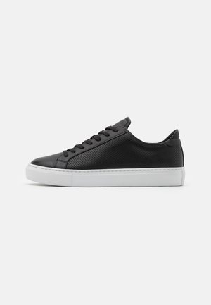 TYPE PERFORATED - Sneakers basse - black