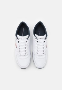 Tommy Hilfiger - ICONIC MIX RUNNER - Trainers - white - 3