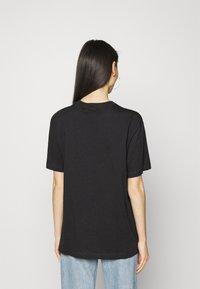 Nike Sportswear - AIR  - T-shirt con stampa - black/white - 2