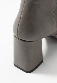 Zign - Kotníková obuv - dark gray - 2