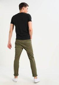Jack & Jones - NOOS - Basic T-shirt - black - 2