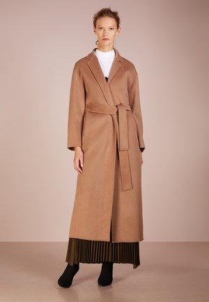 ALEXA COAT - Zimní kabát - camel