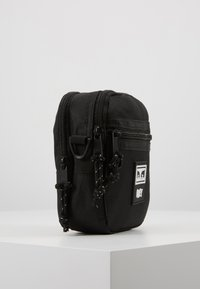 Obey Clothing - CONDITIONS TRAVELER BAG - Across body bag - black - 4