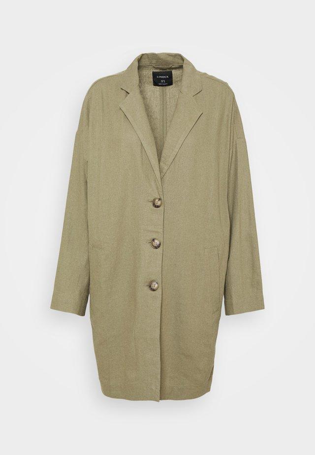 COAT LINN - Krátký kabát - khaki