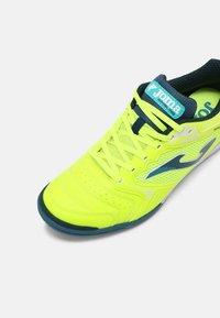 Joma - DRIBLING - Indoor football boots - yellow/black - 4