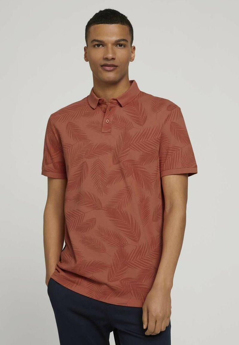 TOM TAILOR DENIM - Polo shirt - orange palm leaves print
