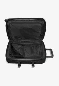 Eastpak - TRANVERZ M - Wheeled suitcase - tribe mountains - 3