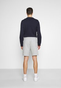 Tommy Hilfiger - ESSENTIAL - Shorts - medium grey heather - 2
