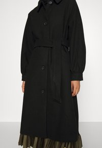 Monki - ROSIE COAT - Kåpe / frakk - black dark - 5