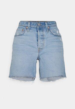 501® MID THIGH SHORT - Shorts vaqueros - tango crushed short