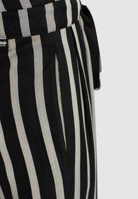 khujo - EIVOLA - Trousers - grey/black - 4