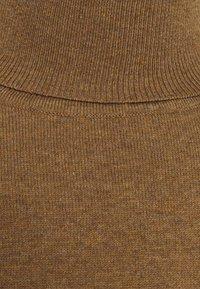 Zign - Stickad tröja - camel - 2