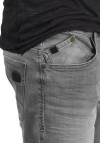 Blend - GRILITSCH - Denim shorts - denim grey - 4