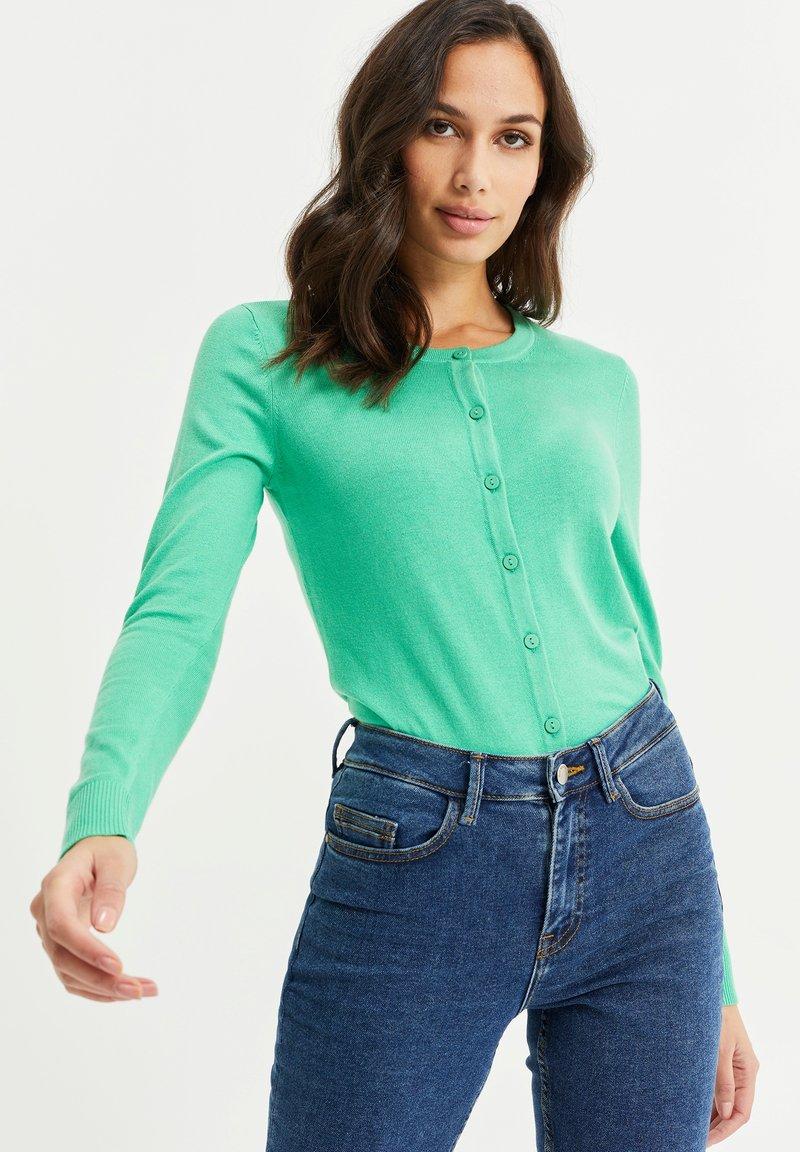 WE Fashion - Strikjakke /Cardigans - bright green