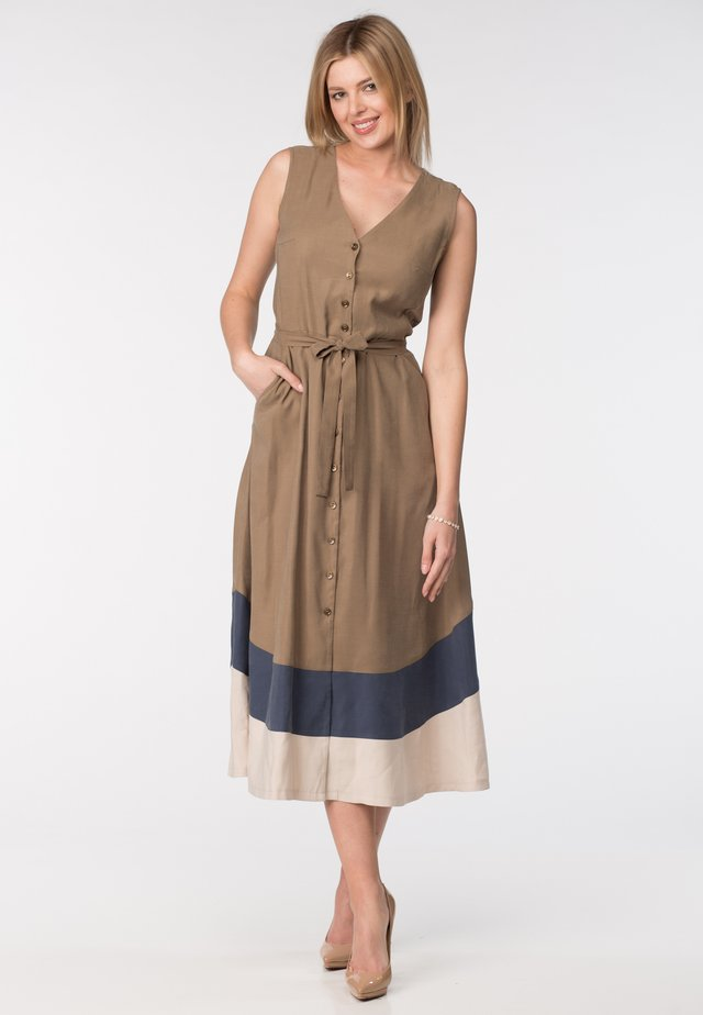 Vestido informal - brown