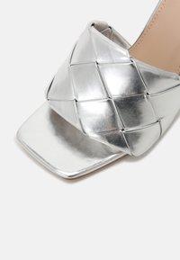 RAID - TIARA - Mules à talons - silver - 7