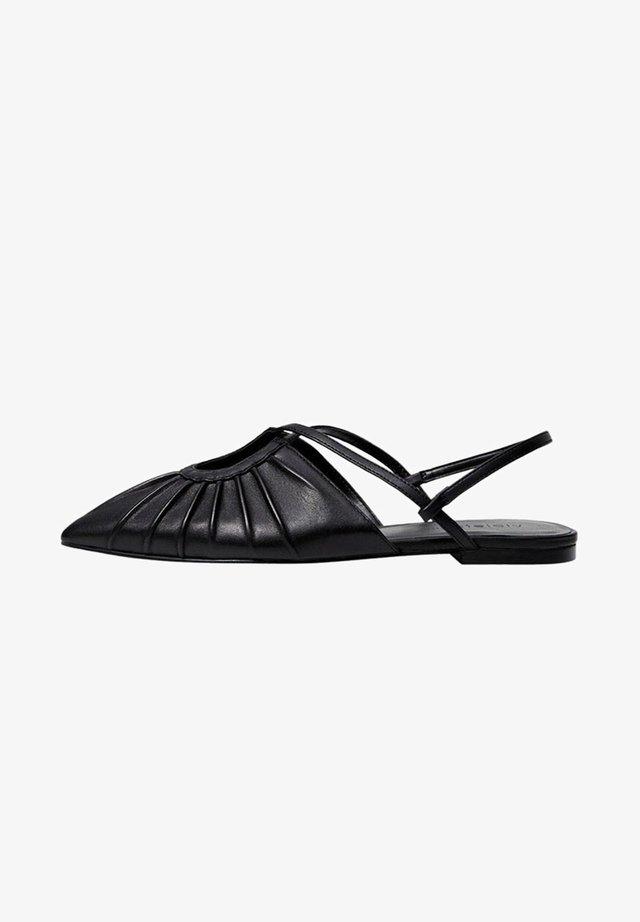 FRONT - Pantofle - schwarz