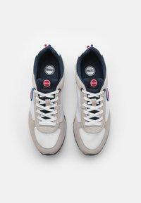 Colmar Originals - TRAVIS AUTHENTIC - Trainers - white/navy - 3