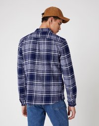 Wrangler - LS 2 POCKET FLAP SHIRT - Shirt - patriot blue - 2