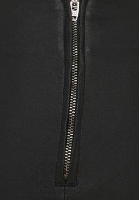Pieces Curve - PCSKIN PARO CURVE - Trousers - black - 6