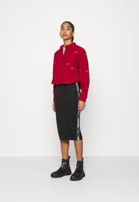 Tommy Jeans - BODYCON TAPE DETAIL SKIRT - Pencil skirt - black - 1