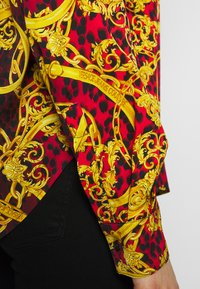 Versace Jeans Couture - LADY SHIRT - Blouse - racing red - 4