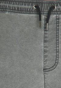 Quiksilver - Shorts - black - 2