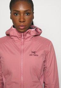 Arc'teryx - ATOM HOODY WOMENS - Outdoor jacket - momentum - 4