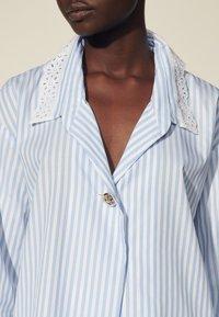 sandro - ALINE - Button-down blouse - ciel/blanc - 4