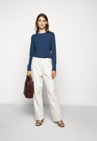 CLOSED - WOMEN´S - Long sleeved top - archive blue - 1