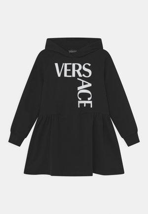 DRESS LOGO - Vestido informal - nero/bianco