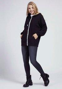 Guess - Zip-up hoodie - schwarz - 1