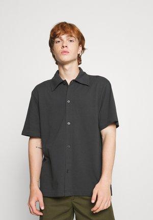 PASS SHORTSLEEVE - Overhemd - off black