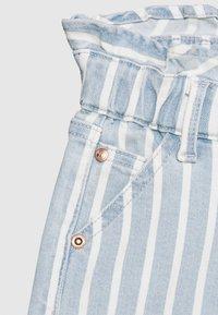 Vingino - DALMINE - Denim shorts - blue/white - 2